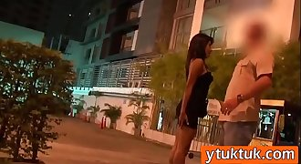 Horny tourist films his hookup activity with a very hot Thai escort girl